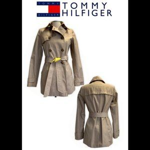 Tommy Hilfiger tan raincoat trenchcoat size small
